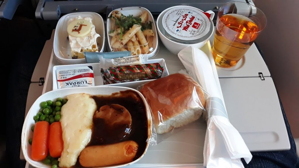 Lunch and Dinner on Emirates A380 Food options on