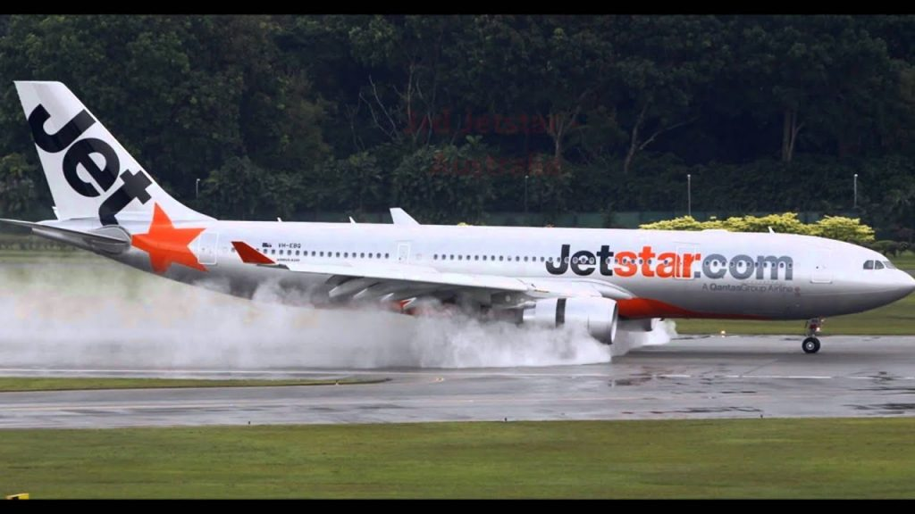 World Top 10 Low-Cost Airlines 2012 by Skytrax