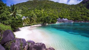 Top 10 4 star Beachfront Hotels amp Resorts in Seychelles The